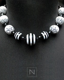 White-deco-necklace