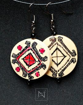 Earrings with romanian embroidery motif